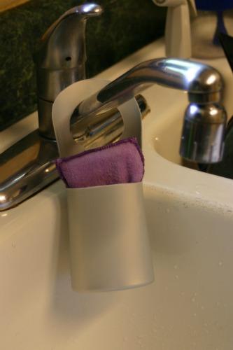 Ways to Reuse Shampoo Bottles: Sponge Holder