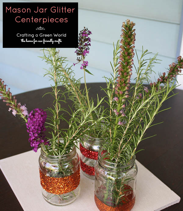 Thanksgiving Crafts: Mason Jar Centerpieces that Sparkle!