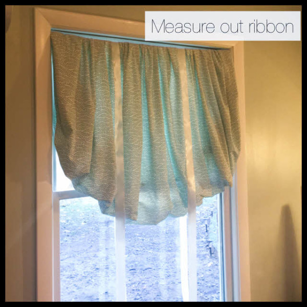 Make DIY balloon curtains from a fitted sheet